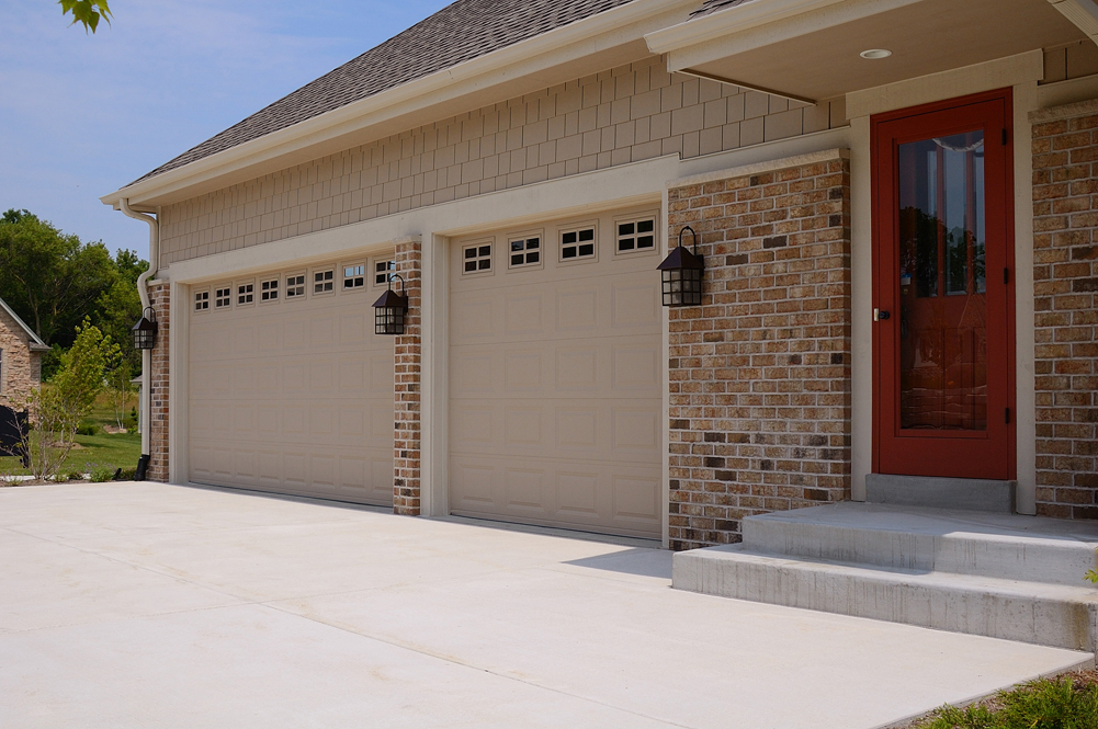 Photo Gallery & Short Panel Steel Garage Door in Cincinnati | PDQ | 513-737-3667 ...